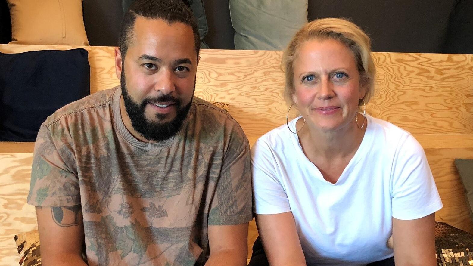 Barbara Schöneberger und Podcast-Gast Adel Tawil
